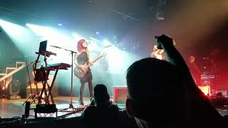 You ain#39t Ready for me - Skillet LIVE at Victorious War Tour