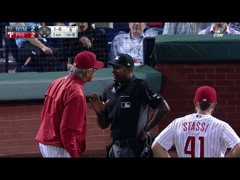 NYM@PHI: Mackanin ejected after Ramos' errant pitch