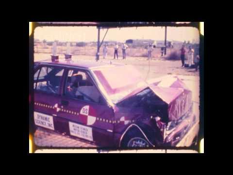 Nissan Datsun - Stanza / Violet / Auster   1982   Frontal Crash Test NHTSA   CrashNet1