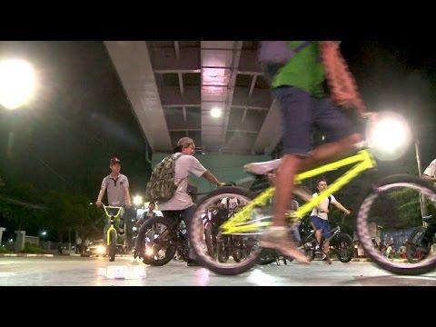 BMX-Fahrer erobern die Straßen von Myanmar