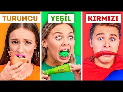 24 SAAT BOYUNCA TEK RENK YEMEK YEMEK! || Komik Yemek Meydan Okumaları