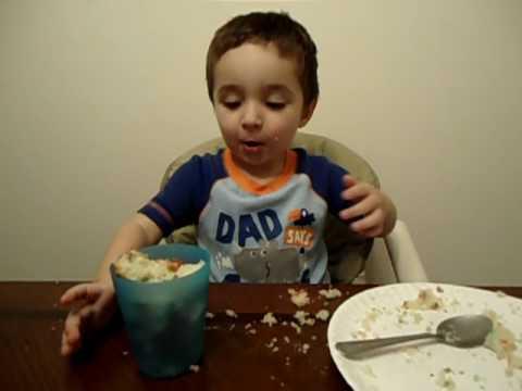 030.AVI baby joshua barclay eating birthday cake