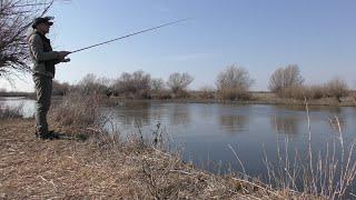 Прекрасный день на рыбалке. Весна пришла, природа оживает. Рыбалка в Астрахани в конце февраля.