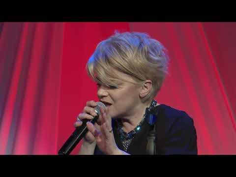Между любовта и славата   Roberta Ганова   TEDxSofia