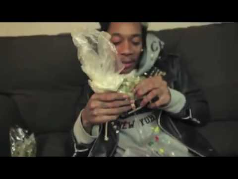 Wiz Khalifa-Medicated-(official song)