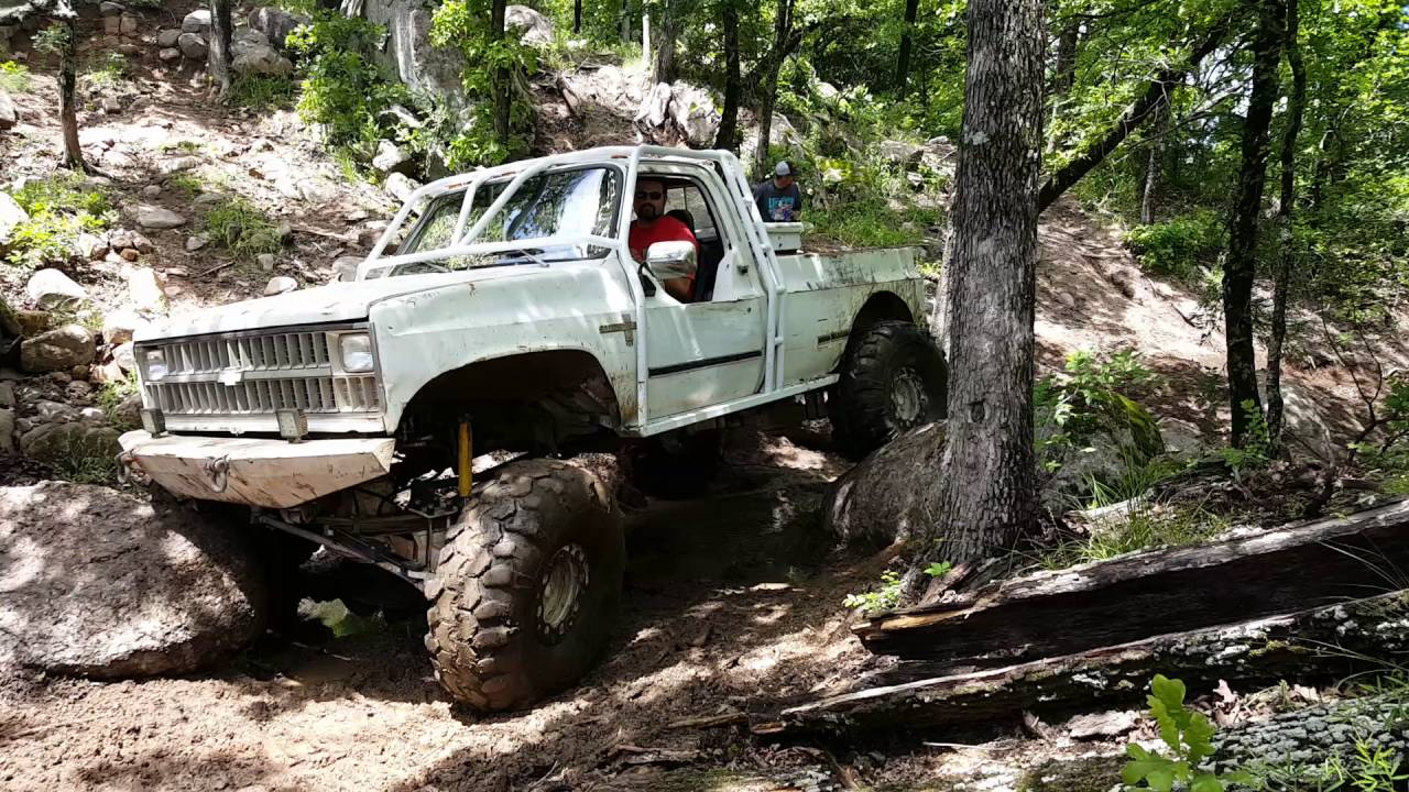 2016 Chevy Lifted >> Square body Chevy rock crawling - YouTube