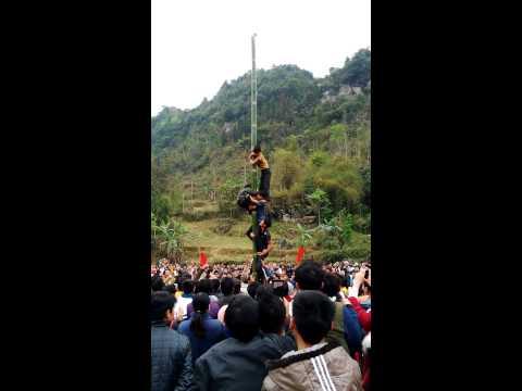 """Le hoi """" leo cot mo """" xã cần nông - huyện thông nông"""