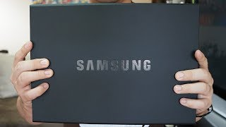 Samsung Galaxy Note 8 also came in a huge box!