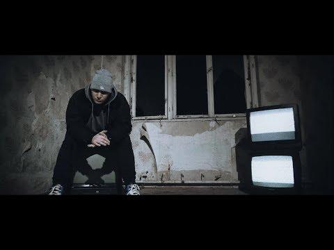 Essemm - A szakadék szélén (Official Music Video)