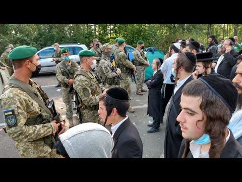 Hasidic Breslov Pilgrims At Ukraine Border Refuse To Return Despite Israel's Plea