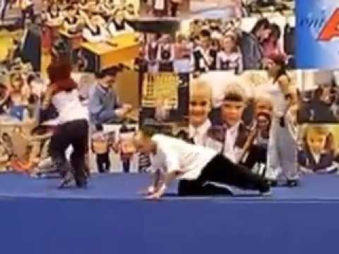 Москва. Манеж. Фестиваль Спорт в москве. Танцевальный коллектив Астафьева Антонааа