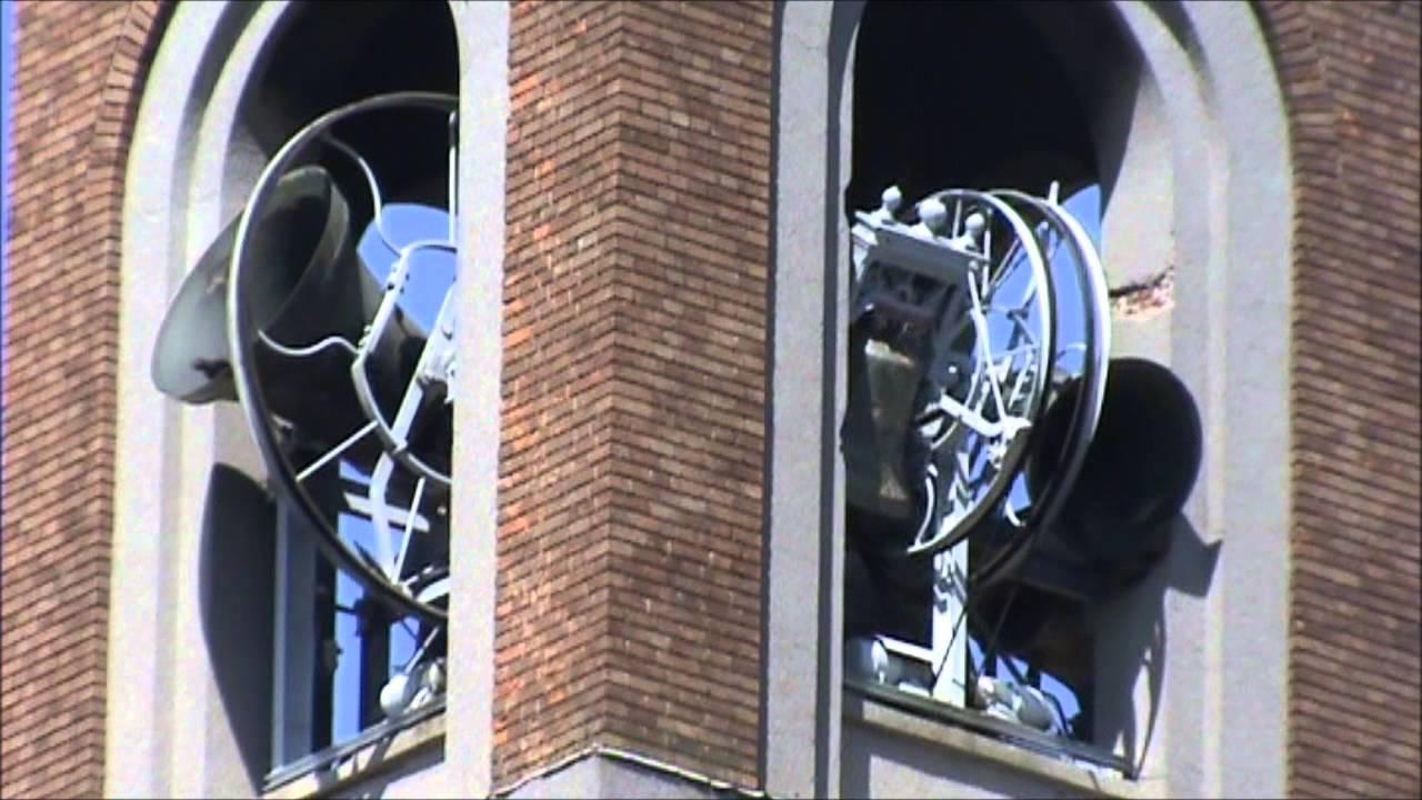 Le campane di busto arsizio va chiesa dei ss pietro e for Le torri arredamento busto arsizio