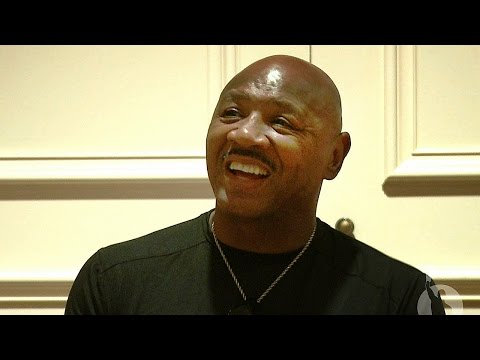 Marvelous Marvin Hagler Reflects On His Career, Current Boxers, & His NVBHOF Induction