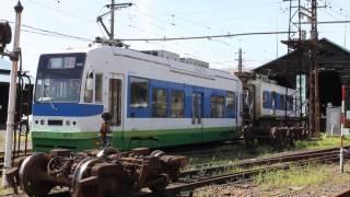 福井鉄道 800形による低床車の車体移動