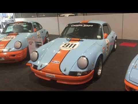 Hampton Downs. Porsche 911 1973 & Porsche 924.