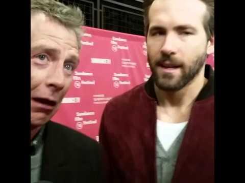 Ryan Reynolds and Ben Mendelsohn on poker tells