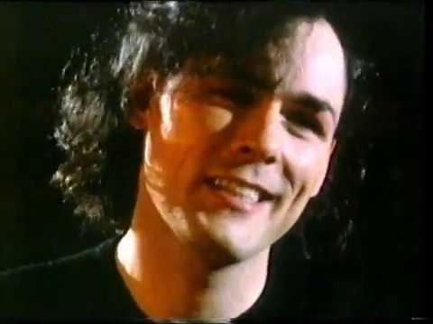 Associates - Whistle Test 1985 Live & Interview
