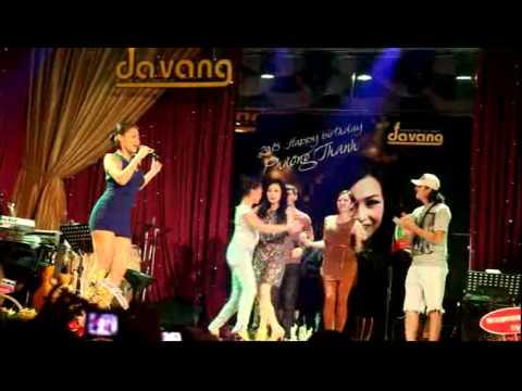 Thu Minh hát Đường Cong, Chanh + Ngọc Ngoan + Vân Trang lắc hông quyết liệt