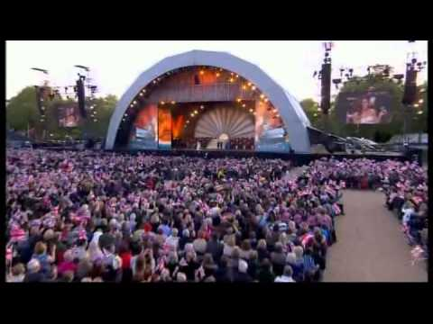 Laura Wright & Collabro: 'Wish Me Luck (As You Wave Me Goodbye)' -09/05/15