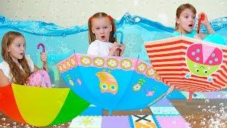 Лиза и дети играют в волшебную игру