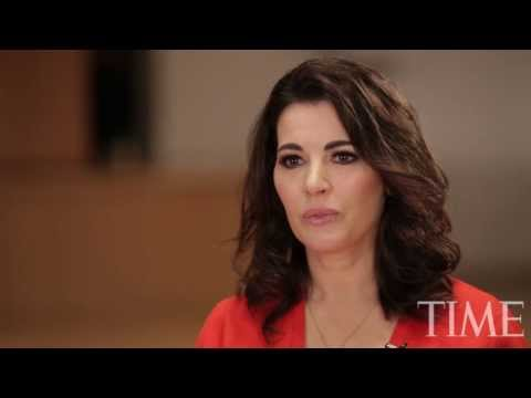 Nigella Lawson's disturbing interview (is she on drugs?)