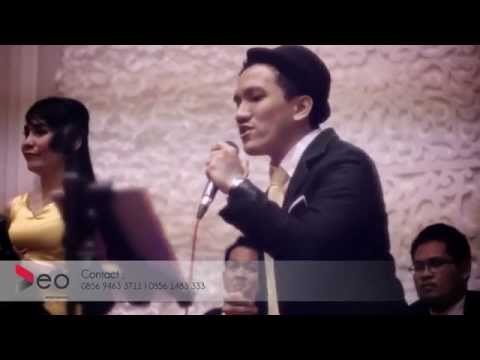 Anugerah Terindah Yang Pernah Kumiliki - Sheila On 7 at SasanaKriya | Cover By Deo Entertainment