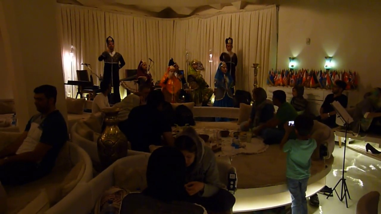 2017-04-28 traditional music in restaurant haft khan, shiraz, iran
