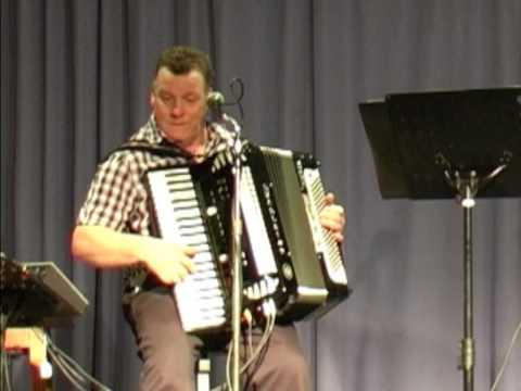 Bluebell Polka played by The Fettlers at Leyland Accordion Club
