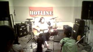 HOTLINE2015出場、「安西なおみ」のライブ映像です。 8月9日に市川コル...