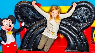 MICKEY MOUSE Bounce House Assistant Helps Find Stolen Big Bad Wolf Treasure