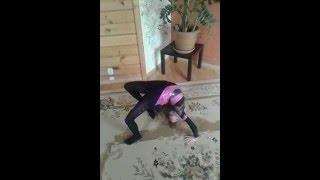 видео Как выполнять гимнастические трюки
