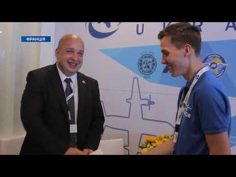 Телеканал TV5: Борис Колесніков показав сотні українських студентів найбільший авіасалон Ле Бурже в Парижі