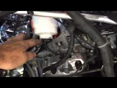 2013 dura max fuel filter video 1