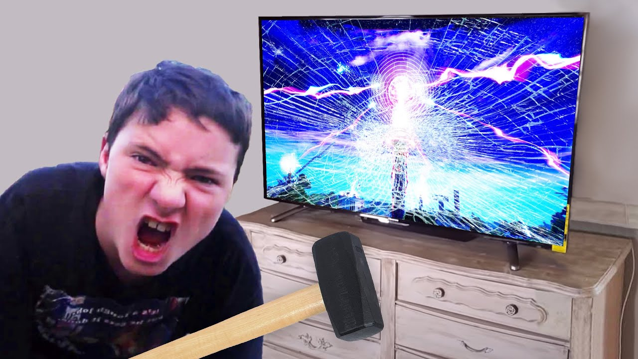 mom unplugs tv during fortnite event.. BIG MISTAKE