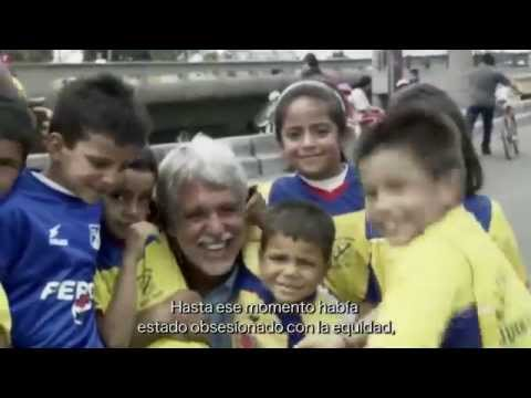Bogotá, construyendo una ciudad sostenible (narrado por Brad Pitt)