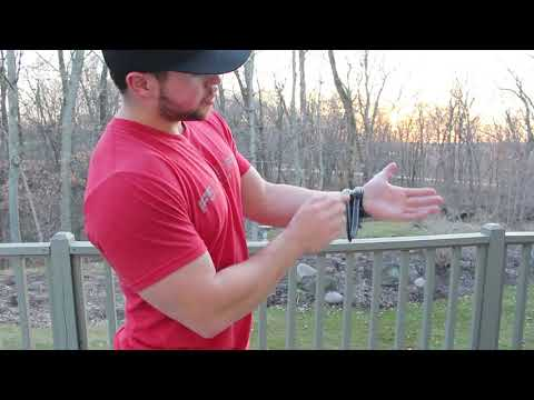 How to Put On the Richmond Weightlifting Wrist Wraps