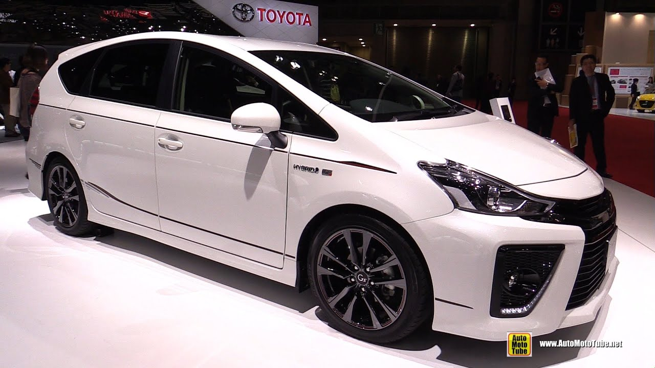 2016 toyota prius alpha g sports exterior and interior walkaround 2015 tokyo motor show. Black Bedroom Furniture Sets. Home Design Ideas