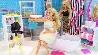 Фотосессия в Чужой Ванной Кто Хозяин? Мультик #Барби Куклы Игры Для девочек #айкуклативи