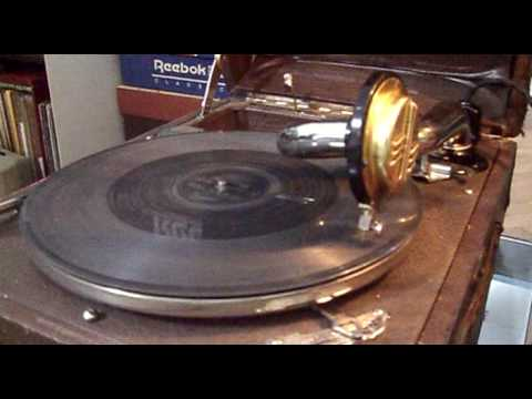 """Elvis Sings """"Blue Suede Shoes"""" At 78 Rpm On A """"Paillard"""" Post WWII"""