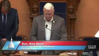 Sen. Horn opens Senate session with an invocation