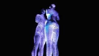 Батуми.Скульптура Али и Нино.(В Батуми на набережной есть скульптура любви высотой семь метров, которая двигается с интервалом 8-10 минут..., 2013-07-20T13:05:15.000Z)