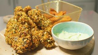 Einfache Chicken Finger & Kürbispommes aus dem Ofen mit Limetten-Basilikum-Mayo I Halloweenspecial