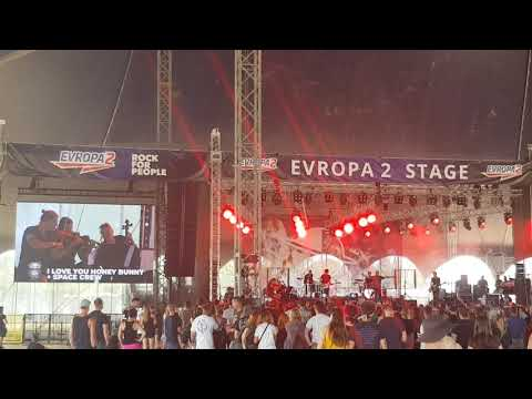 I love you Honey Bunny + Space Crew (Live at Rock for People 2019, Hradec Králové)