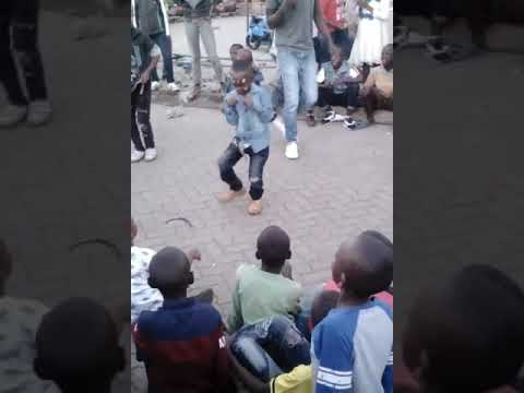 The YOUNGEST Odi Dancer in Kenya. ( 4 years )