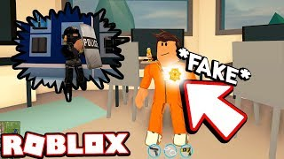 TROLLING CRIMINALS AS A FAKE PRISONER!!! *UNDERCOVER COP* (Roblox Jailbreak)