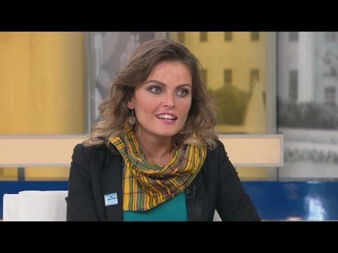 """""""El Populismo ama tanto a los pobres que los multiplica"""": Gloria Álvarez"""