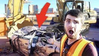 J'AI DÉTRUIT UNE VOITURE AVEC UNE PELLETEUSE ! (Vlog Las Vegas)