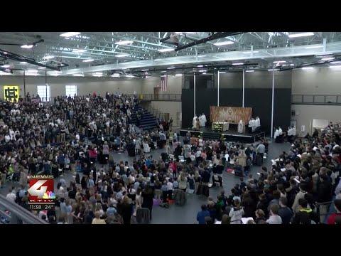 Bishop Heelan Catholic Schools host first all schools mass in new gym