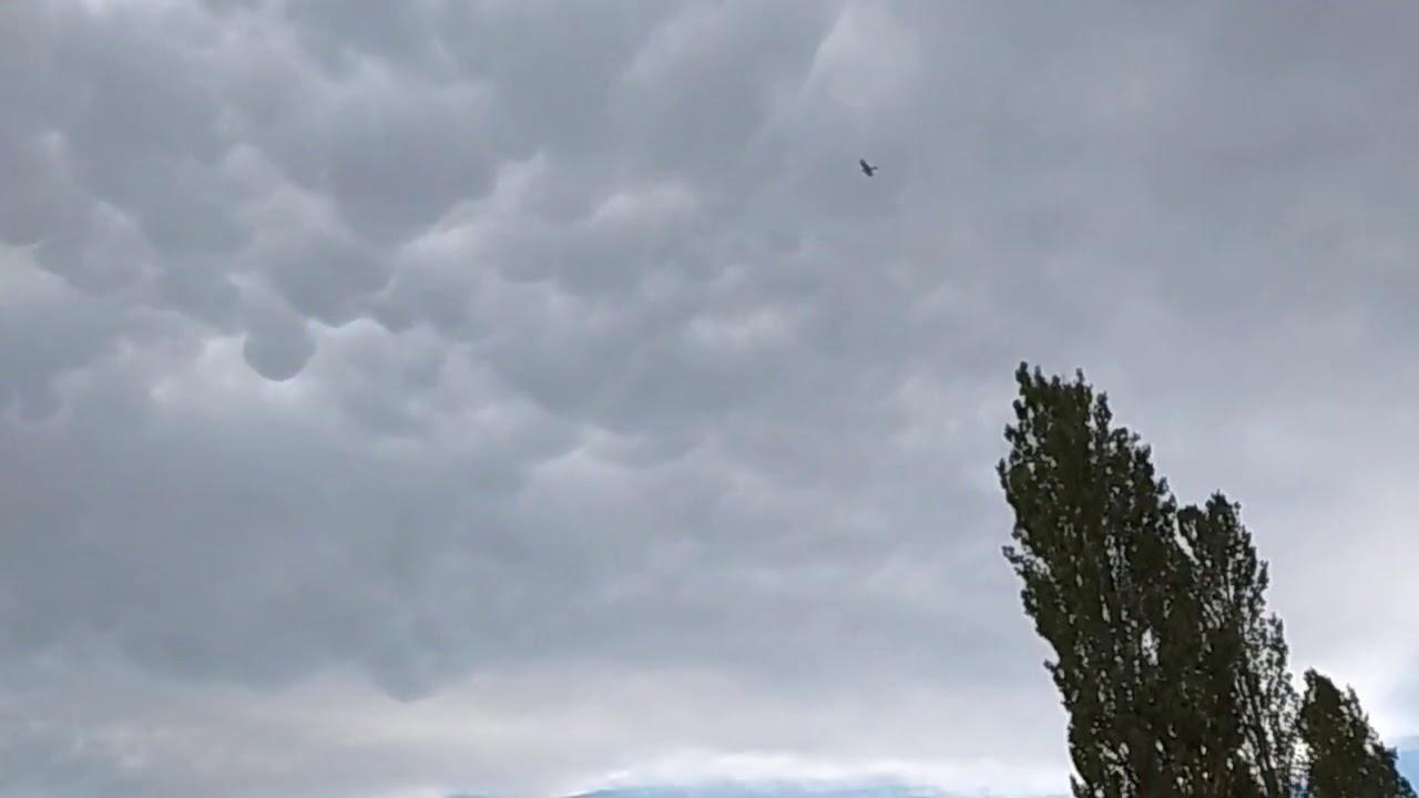 30.07.2016 Ayaş yamaç paraşütü  Kümülüs bulutu havayı çalkalıyor,