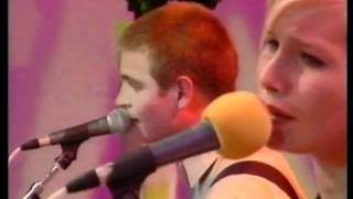 """The Cardigans live at MTV """"The White Room"""" show on 1995."""